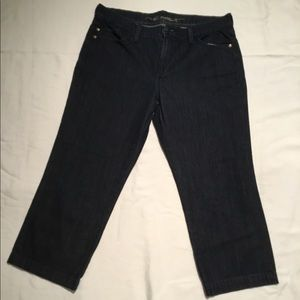 Old navy cropped dark wash jeans size 10